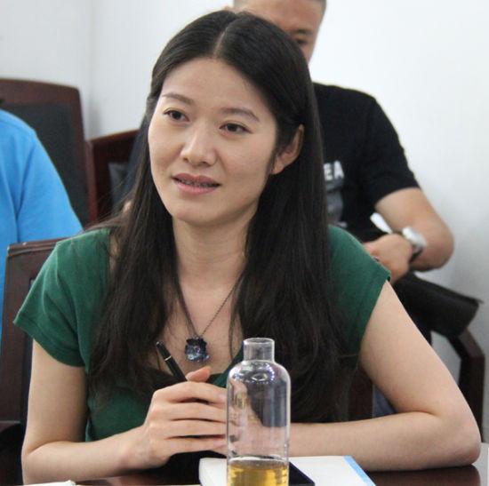 作者舒羽在讨论会上