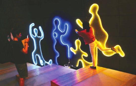央美视觉传达毕业设计展 灯光
