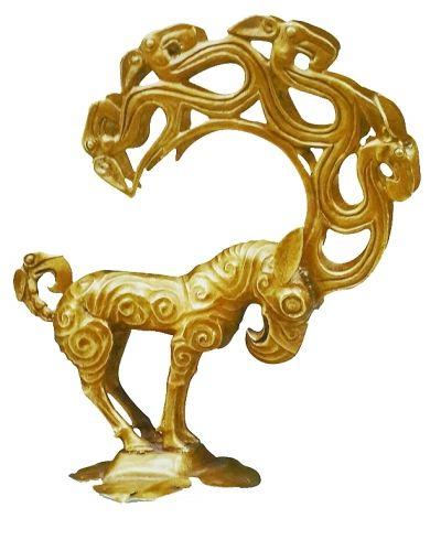 这只出土于陕西神木县纳林高兔村战国墓葬中的神兽