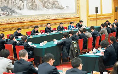 二月十九日,中共中央总书记、国家主席、中央军委主席习近平在北京主持召开党的新闻舆论工作座谈会并发表重要讲话。   新华社记者 鞠 鹏摄