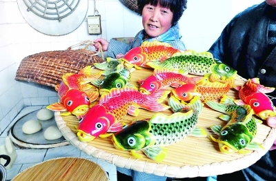 胶东花饽饽迎接春节:年年有余