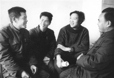 1980年摄于北京。左起:贾大山、陈世旭、冯骥才、张有德。